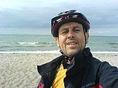 jiri_cizek_u_baltu_dcs01609.jpg: 29k (2012-06-14 19:02)<br/>Jiří se vyfotil a posílá všem svoji fotku.<br/>Jiří si splnil sen a dojel na kole k Baltskému moři. Gratulujeme.<br/>Jiří. Ještě musíš dojet zpátky.<br/>Věděl jsi to ?