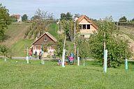 2013_10_05_slovacke_vinohrady_2013_p102079528.jpg: 264k (2013-10-05 13:28)